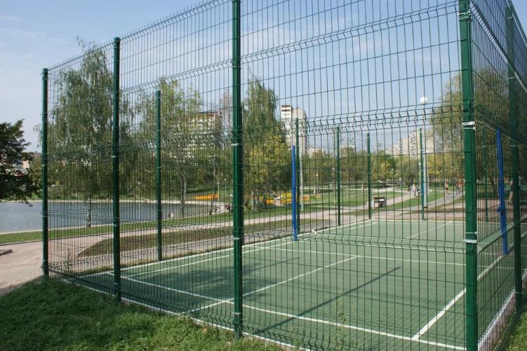 Ограждение спортивной площадки забором из сварной сетки - ZAVODKM